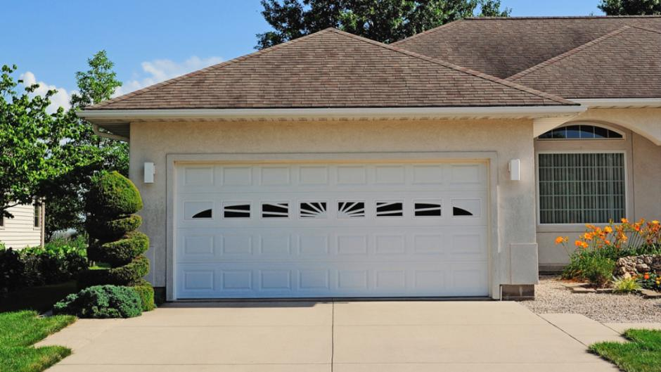 chi-short-raised-panel-garage-door-0002 (1)